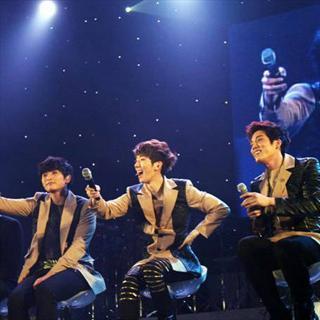 """2AM""""拜托圣诞节""""演唱会送温暖"""