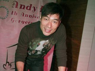 许志安入行25年会歌迷 不理众好友再催婚