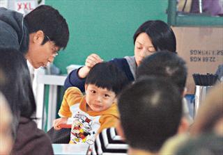 郭晋安3岁儿子 越长越机灵