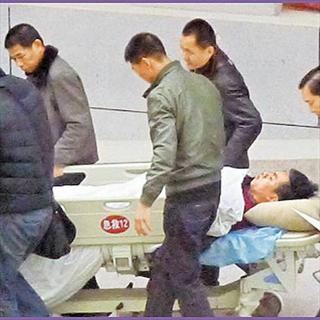 胡彦斌跨年夜车祸重伤
