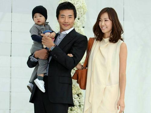 权相宇结束新片《十二生肖》拍摄返韩