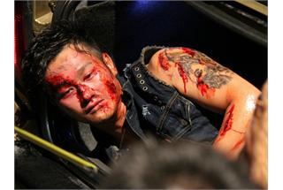 吴浩康古惑仔纹身造型客串《逆战》血流披面