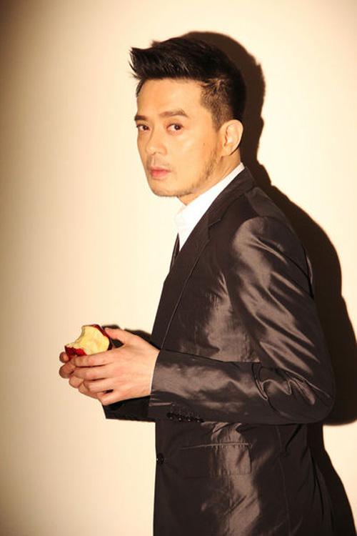黄耀明自爆新恋情 为同性恋者发声
