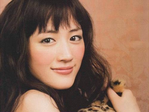 绫濑遥Q脸蝉联美肌后 鱼干女玩四角恋