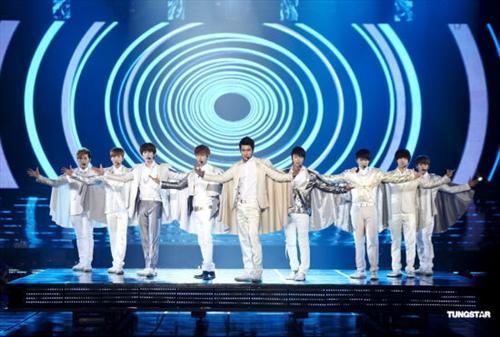 SJ巡唱回韩国 队长利特感性落泪
