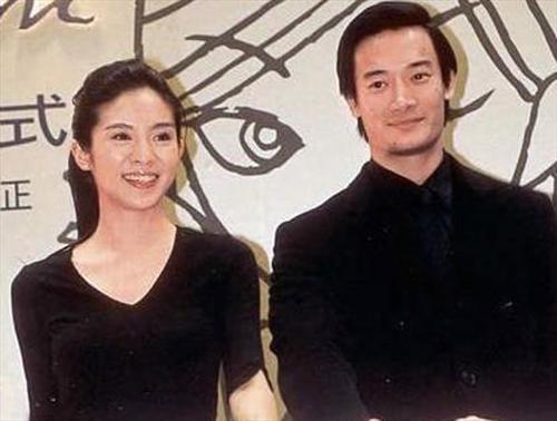 传杨采妮与旧爱复合 相恋16年将结婚