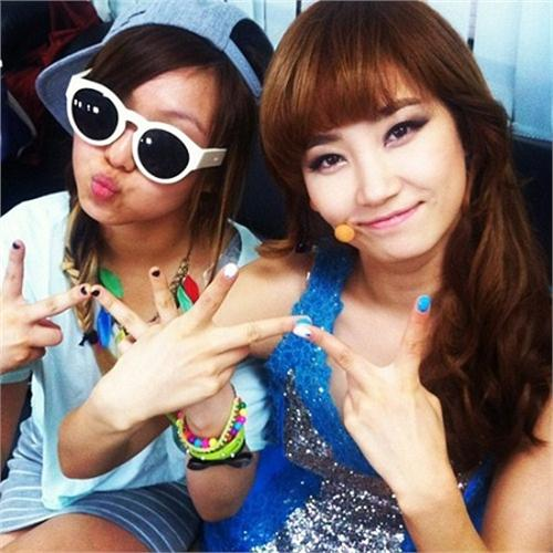 Wonder Girls首尔开演唱会miss A成员Min后台打气