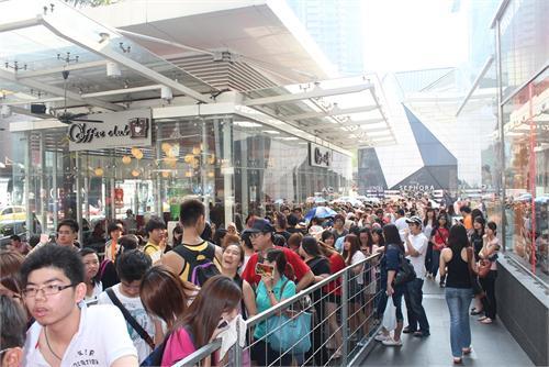 粉絲围城抢BIGBANG票 688令吉票半小时被扫光