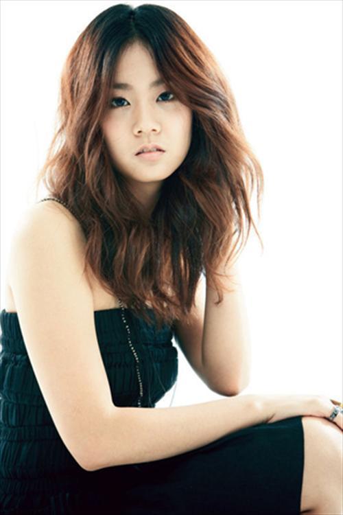 Kara成员韩胜妍患突发性贫血住院