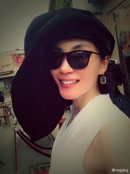 王菲微博晒自拍美照 网友:女神回来了