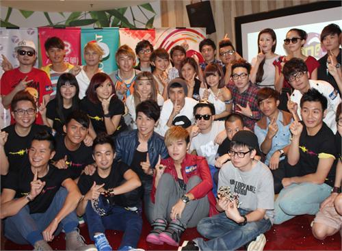 """One FM THE ONE演唱会 大马歌手""""爆裤""""轧韩团B1A4!"""